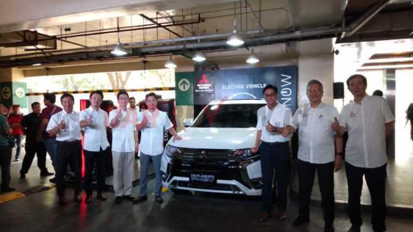 Foto  Quick Charging Station Mitsubishi Diluncurkan Di Jantung Jakarta